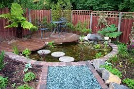 baseinelis, melyni akmenukai